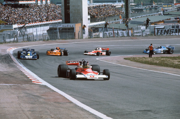 Jarama, Spain. 2nd May 1976.  James Hunt (McLaren M23-Ford), 1st position leads Patrick Depallier (Tyrrell P34-Ford), retired, Vittorio Brambilla (March 761-Ford), retired, Jochen Mass (McLaren M23-Ford), retired and Jacques Lafitte (Ligier JS5-Matra), 12th position. Both Hunt (Car too wide) and Laffite (Rear aerofoil irregular) were disqualified, but later reinstated after appeal, action.  World Copyright: LAT Photographic.  Ref: 76 ESP 04.