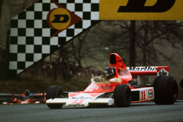 Brands Hatch, England. 14th March 1976. James Hunt (McLaren M23 Ford), 1st position, action.  World Copyright: LAT Photographic.  Ref:  76 ROC 02.