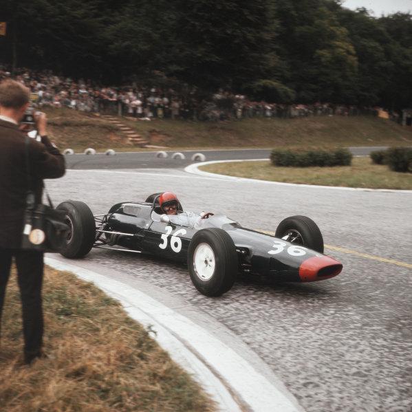 Rouen-les-Essarts, France.26-28 June 1964.Mike Hailwood (Lotus 25 BRM) in practice.Ref-3/1294.World Copyright - LAT Photographic