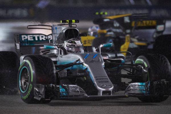 Marina Bay Circuit, Marina Bay, Singapore. Sunday 17 September 2017. Valtteri Bottas, Mercedes F1 W08 EQ Power+.  World Copyright: Steve Etherington/LAT Images  ref: Digital Image SNE19011
