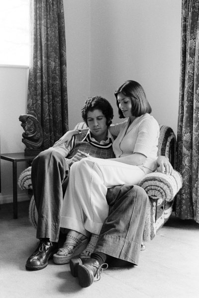 Jody Scheckter (RSA) Tyrrell at home with his wife Pam. Formula One World Championship, England, 1974.