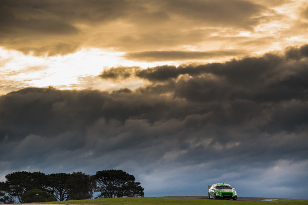 2017 Supercars Championship Round 3.  Phillip Island 500, Phillip Island, Victoria, Australia. Friday 21st April to Sunday 23rd April 2017. Mark Winterbottom drives the #5 The Bottle-O Racing Ford Falcon FGX. World Copyright: Daniel Kalisz/LAT Images Ref: Digital Image 210417_VASCR3_DKIMG_1670.JPG