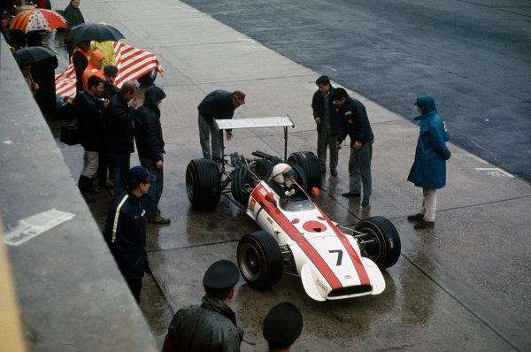 Nurburgring, Germany. 2nd - 4th August 1968. RD8.John Surtees (Honda RA301-Honda), retired, action.World Copyright: LAT Photographic.Ref: 35mm Colour Transparency.