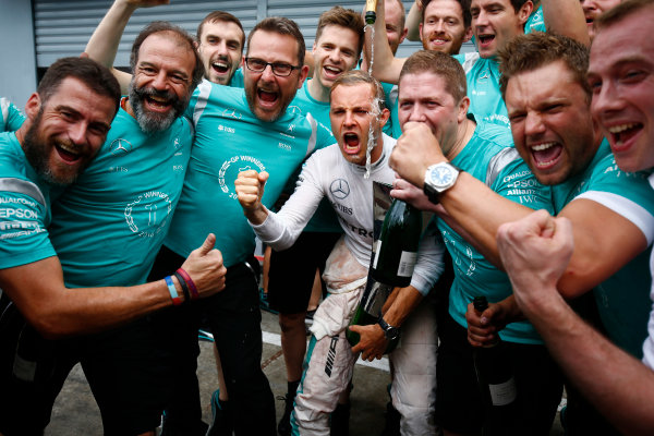 Autodromo Nazionale di Monza, Italy. Sunday 4 September 2016. Nico Rosberg, Mercedes AMG, 1st Position, celebrates with the Mercedes team. World Copyright: Andrew Hone/LAT Photographic ref: Digital Image _ONY6076