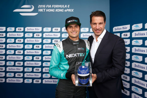 2016/2017 FIA Formula E Championship. Hong Kong ePrix, Hong Kong, China. Sunday 09 October 2016. Nelson Piquet (3, NextEV NIO) celebrates after taking Pole Position. Photo: Adam Warner/LAT/Formula E ref: Digital Image _L5R7972