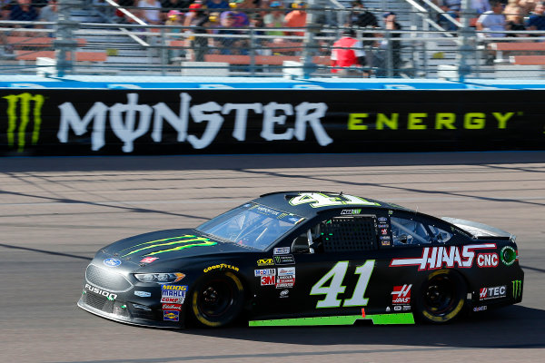 Monster Energy NASCAR Cup Series Can-Am 500 Phoenix Raceway, Avondale, AZ USA Sunday 12 November 2017 Kurt Busch, Stewart-Haas Racing, Monster Energy/Haas Automation Ford Fusion World Copyright: Russell LaBounty LAT Images