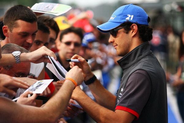 Bruno Senna (BRA) Hispania Racing F1 Team (HRT) signs autographs for the fans. Formula One World Championship, Rd 14, Italian Grand Prix, Preparations, Monza, Italy, Thursday 9 September 2010.