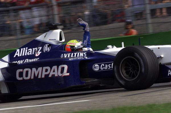 2001 German Grand Prix - Race.Hockenheim, Germany. 29th July 2001.Race winner Ralf Schumacher, BMW Williams FW23, waves to his fans.World Copyright: Steve Etherington/LAT Photographic.ref: 17 5mb Digital Image