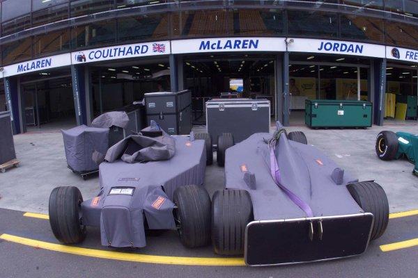 2000 Australian Grand Prix.Albert Park, Melbourne, Australia.10-12 March 2000.McLaren's chassis arrive at the circuit, awaiting assembly.World Copyright - LAT Photographic