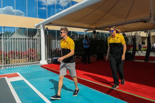 Nico Hulkenberg (GER) Renault Sport F1 Team at Formula One World Championship, Rd20, Abu Dhabi Grand Prix, Race, Yas Marina Circuit, Abu Dhabi, UAE, Sunday 26 November 2017.