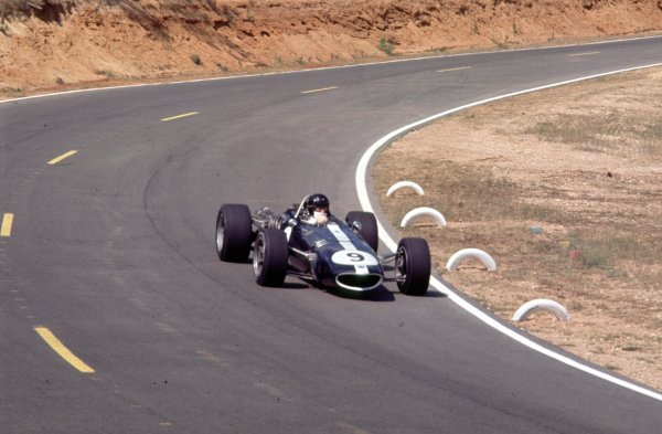 1967 French Grand Prix.Bugatti Circuit, Le Mans, France.30/6-2/7 1967.Dan Gurney (Eagle T1G Weslake).Ref-67 FRA 01.World Copyright - LAT Photographic