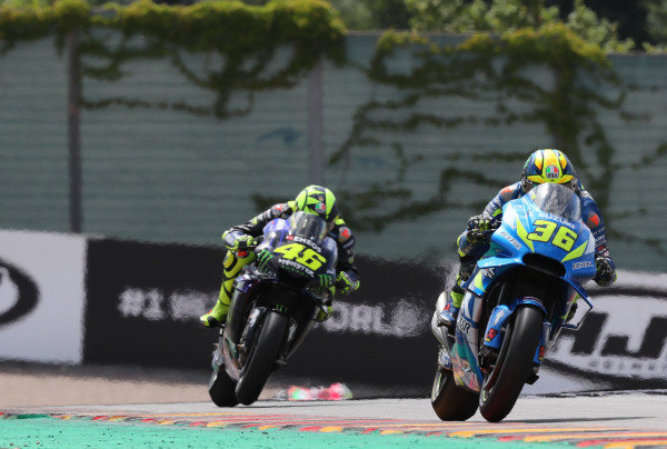 Joan Mir, Team Suzuki MotoGP, Valentino Rossi, Yamaha Factory Racing.
