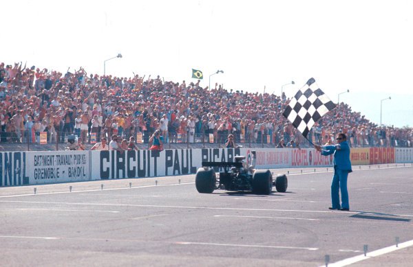 1973 French Grand Prix.Paul Ricard, Le Castellet, France.29/6-1/7 1973.Ronnie Peterson (Lotus 72E Ford) 1st position to take his maiden Grand Prix win.Ref-73 FRA 37.World Copyright - LAT Photographic