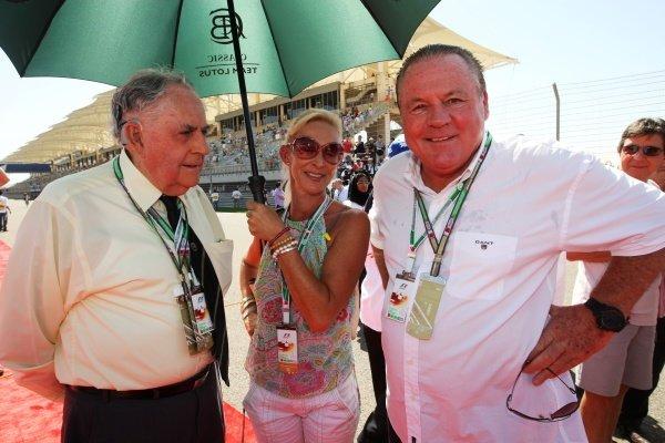 Sir Jack Brabham (AUS) (Left) and Alan Jones (AUS) (Right). Formula One World Championship, Rd 1, Bahrain Grand Prix, Race Day, Bahrain International Circuit, Sakhir, Bahrain, Sunday 14 March 2010.