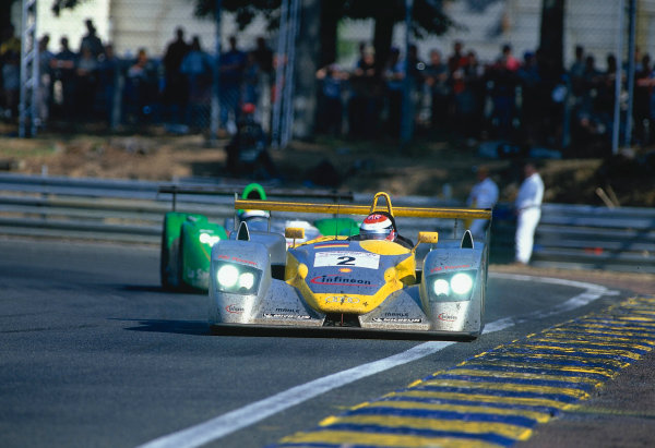 2002 Le Mans 24hr, La Sarthe, France, 15 -16 June 2002. Johnny Herbert, Audi Sport Team Joest. World Copyright: LAT Photographic Ref: 02LM41.