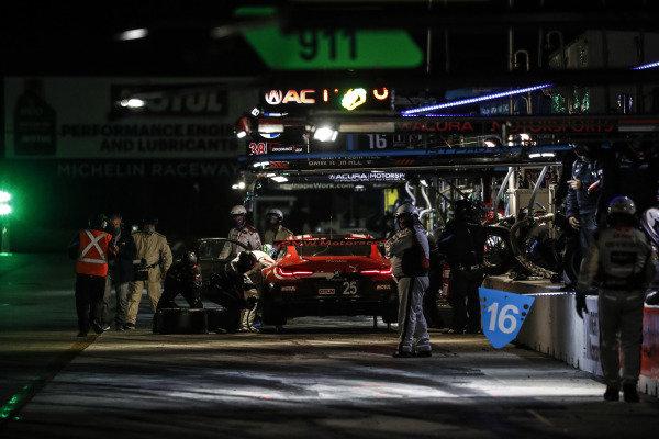 #25 BMW Team RLL BMW M8 GTE, GTLM: Connor De Phillippi, Bruno Spengler, Colton Herta, pit stop