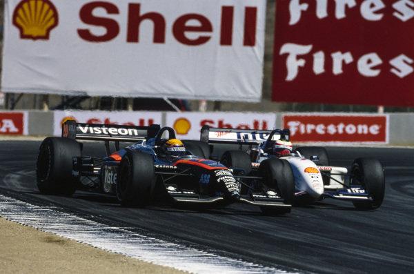 Roberto Moreno, Patrick Racing, Reynard 2KI Ford, battles with Max Papis, Team Rahal, Reynard 2KI Ford.
