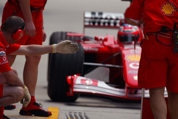 2002 Malaysian Grand Prix - Practice.Sepang, Malaysia. 15th March 2002.Rubens Barrichello (Ferrari F2001).World Copyright: Etherington/LAT Photographicref: 12 5mb Digital Image Only
