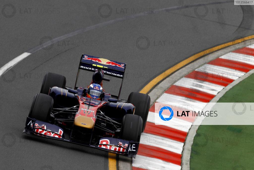 Albert Park, Melbourne, Australia25th March 2011.Daniel Ricciardo, Toro Rosso STR6 Action. World Copyright: Andrew Ferraro/LAT Photographicref: Digital Image _Q0C7860