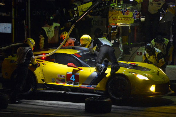 28-31 January, 2016, Daytona Beach, Florida USA 4, Chevrolet, Corvette C7, GTLM, Oliver Gavin, Tommy Milner, Marcel Fassler makes a pit stop. ?2016, F. Peirce Williams LAT Photo USA