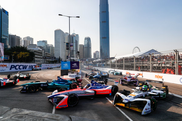 2017/2018 FIA Formula E Championship. Round 2 - Hong Kong, China. Sunday 03 December 2017. Luca Filippi (ITA), NIO Formula E Team, NextEV NIO Sport 003, Nick Heidfeld (GER), Mahindra Racing, Mahindra M4Electro, andLucas Di Grassi (BRA), Audi Sport ABT Schaeffler, Audi e-tron FE04. Photo: Sam Bloxham/LAT/Formula E ref: Digital Image _J6I7223