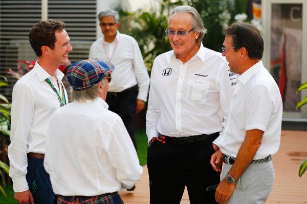 Marina Bay Circuit, Marina Bay, Singapore. Friday 15 September 2017. Sir Jackie Stewart, 3-time F1 Champion, with Mansour Ojjeh, McLaren, in the paddock. World Copyright: Sam Bloxham/LAT Images  ref: Digital Image _W6I6798