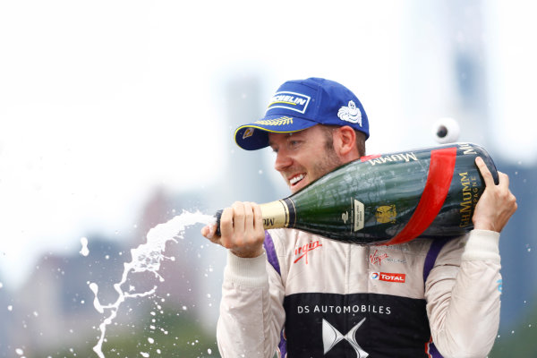 2016/2017 FIA Formula E Championship. Round 9 - New York City ePrix, Brooklyn, New York, USA. Saturday 15 July 2017. Sam Bird (GBR), DS Virgin Racing, Spark-Citroen, Virgin DSV-02, sprays the champagne on the podium. Photo: Alastair Staley/LAT/Formula E ref: Digital Image _R3I0058