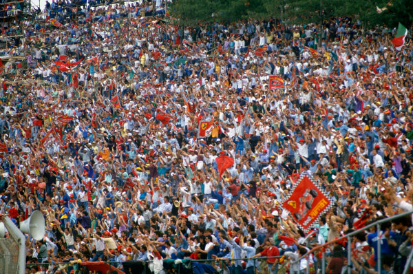 Imola, Italy. 29th April - 1st May 1988. Tifosi at Tosa, atmosphere. World Copyright: LAT Photographic Ref: 88SM03