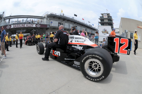 14-20 May, 2011, Indianapolis, Indiana, USAWill Power's car is towed to the pitlane.©2011, Paul WebbLAT Photo USA