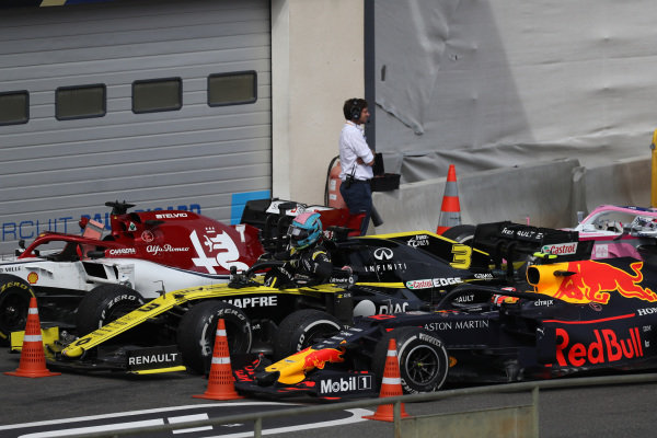 Daniel Ricciardo, Renault R.S.19, and Pierre Gasly, Red Bull Racing RB15, in Parc Ferme after the race