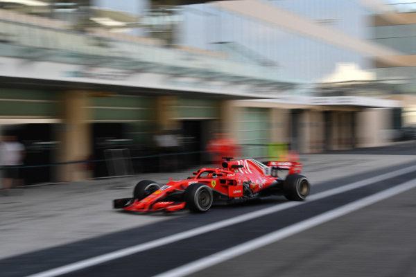 Charles Leclerc, Ferrari SF-71H with missing sidepod bodywork
