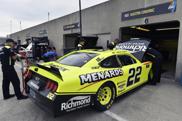 #22: Austin Cindric, Team Penske, Ford Mustang Menards/Richmond