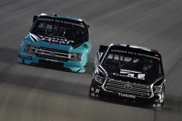 #51: Kyle Busch, Kyle Busch Motorsports, Toyota Tundra Cessna and #13: Johnny Sauter, ThorSport Racing, Ford F-150 Tenda