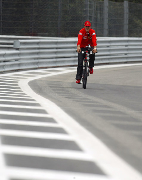 2002 Belgian Grand Prix - PracticeSpa-Francorchamps, Belgium. 30th August 2002.Michael Schumacher (Ferrari) cycles around the circuit.World Copyright: Steve Etherington/LATref: Digital Image Only
