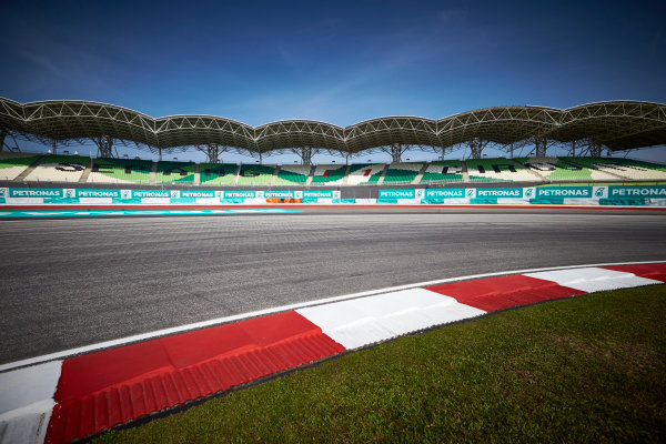 Sepang International Circuit, Sepang, Kuala Lumpur, Malaysia. Thursday 26 March 2015. A view of the circuit. World Copyright: Steve Etherington/LAT Photographic. ref: Digital Image SNE21783