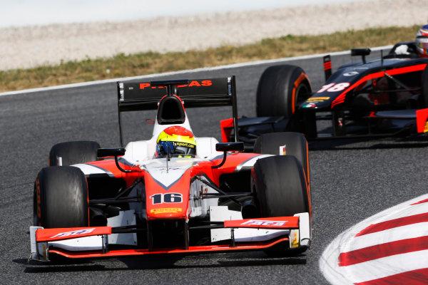 2015 GP2 Series Round 2. Circuit de Catalunya, Barcelona, Spain. Sunday 10 May 2015. Sergio Canamasas (ESP, MP Motorsport) leads Sergey Sirotkin (RUS, Rapax). Photo: Zak Mauger/GP2 Series Media Service. ref: Digital Image _L0U5788