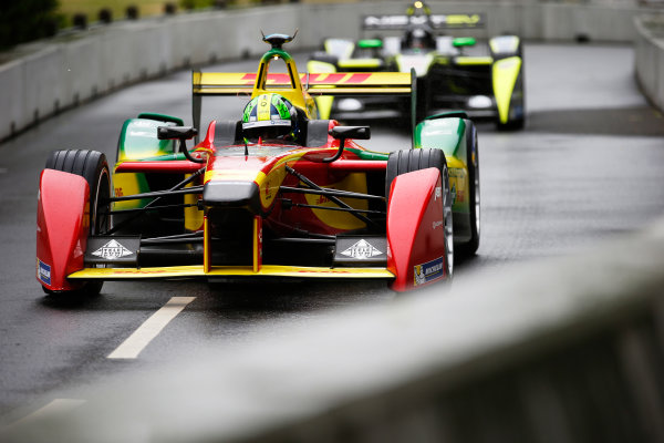 2014/2015 FIA Formula E Championship. London ePrix, Battersea Park, London, United Kingdom. Sunday 28 June 2015 Lucas di Grassi (BRA)/Audi Abt Sport - Spark-Renault SRT_01E Photo: Steven Tee/LAT/Formula E ref: Digital Image _L4R0691