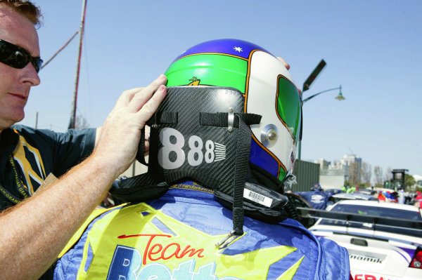2005 Australian V8 SupercarsAlbert Park, Melbourne, Australia. 4th - 6th March.Craig Lowndes (Falcon BA) has help putting his Hans device before the start of the race. World Copyright: Mark Horsburgh/LAT Photographicref: Digital Image Only