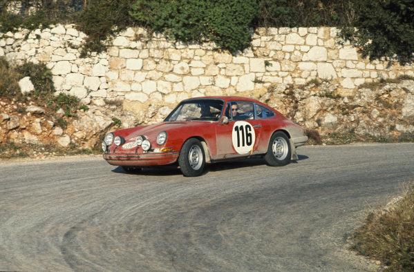 Monte Carlo, Monaco. 24th - 28th January 1968.Pauli Toivonen/M. Tiukkanen (Porsche 911S), 2nd position, action. World Copyright: LAT PhotographicRef: 68MCRALLY04.