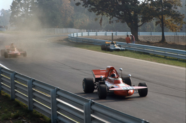 1971 United States Grand Prix.  Watkins Glen, New York, USA. 1st-3rd October 1971.  Skip Barber, March 711 Ford, tilts his head back to see teammate Ronnie Peterson in his high, central mirror.  Ref: 71USA33. World Copyright: LAT Photographic