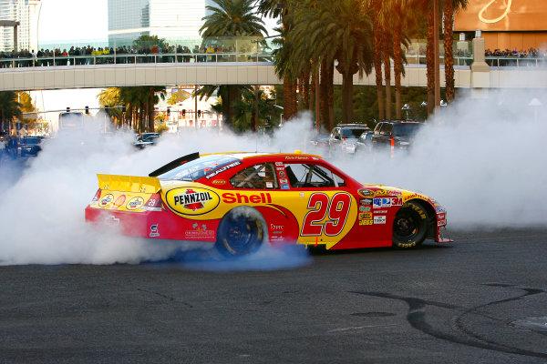 1-3 December, 2010, Las Vegas, Nevada USAKevin Harvick burn out©2010, LAT South, USALAT Photographic