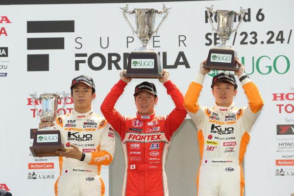 2017 Japanese Formula 3 Championship Sugo, Japan. 23rd - 24th September 2017. Rd 19 & 20. Rd 20 Winner Hiroki Otsu ( #2 TODA RACING ) 2nd position Sho Tsuboi ( #1 Corolla Chukyo Kuo TOM?S F317 ) 3rd position Ritomo Miyata ( #36 Corolla Chukyo Kuo TOM?S F314 ) podium portrait World Copyright: Yasushi Ishihara / LAT Images. Ref: 2017_JF3_R19&20_019
