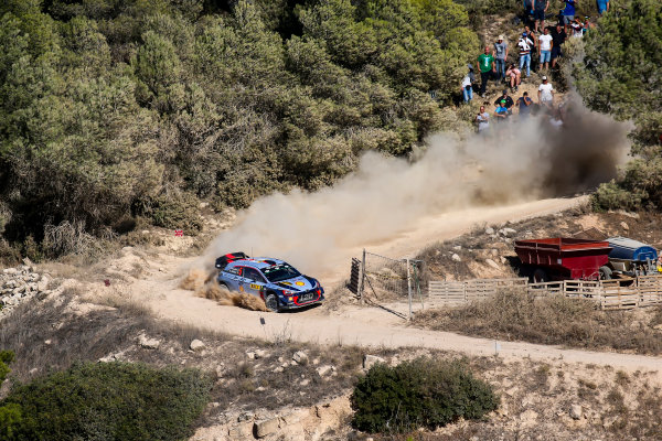 2017 FIA World Rally Championship, Round 11, Rally RACC Catalunya / Rally de España, 5-8 October, 2017, Thierry Neuville, Hyundai, action, Worldwide Copyright: LAT/McKlein
