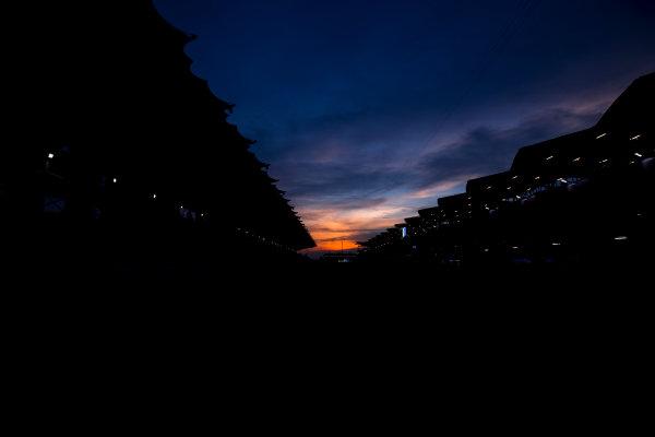 Sepang International Circuit, Sepang, Malaysia. Friday 29 September 2017. Sun rises at the Sepang Circuit. World Copyright: Zak Mauger/LAT Images  ref: Digital Image _56I2091