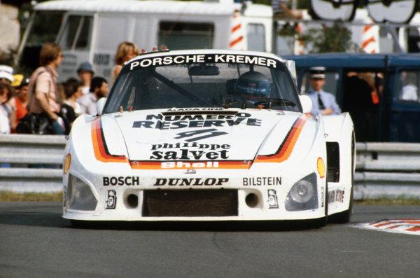 1979 Le Mans 24 hours. Le Mans, France. 9th - 10th June 1979. Klaus Ludwig/Bill Whittington/Don Whittington (Porsche 935/K3), 1st position, action. World Copyright: LAT Photographic. Ref:  79LM