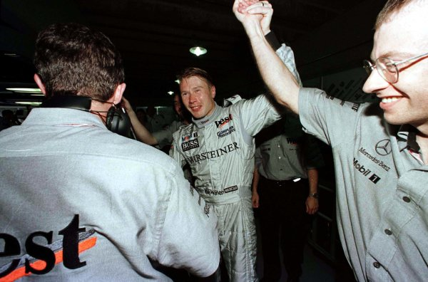 1998 Brazilian Grand Prix.Interlagos, Sao Paulo, Brazil.27-29 March 1998.Mika Hakkinen (McLaren Mercedes-Benz) after qualifying on pole position.World Copyright - LAT Photographic