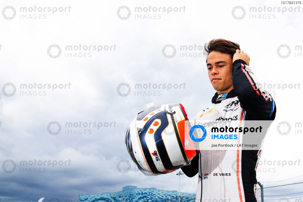 SOCHI AUTODROM, RUSSIAN FEDERATION - SEPTEMBER 26: 2019 Champion Nyck De Vries (NLD, ART GRAND PRIX) celebrates in a photoshoot during the Sochi at Sochi Autodrom on September 26, 2019 in Sochi Autodrom, Russian Federation. (Photo by Joe Portlock / LAT Images / FIA F2 Championship)