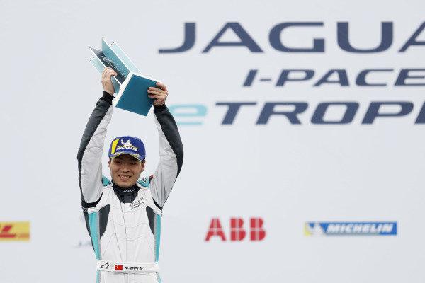 Yaqi Zhang (CHI), Team China celebrates PRO AM class victory on the podium