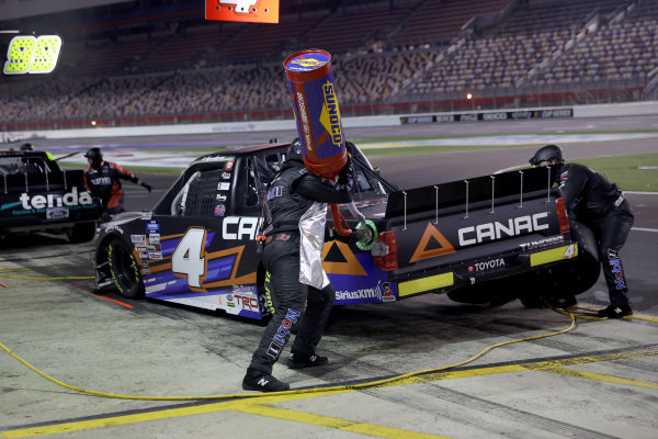 Raphael Lessard, Kyle Busch Motorsports Toyota Canac, pitstop Copyright: Chris Graythen/Getty Images