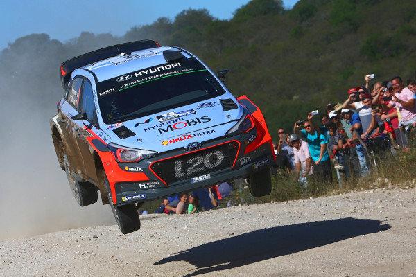 Thierry Neuville (BEL) / Nicolas Gilsoul (BEL), Hyundai Motorsport i20 WRC at World Rally Championship, Rd4, Rally Argentina, Day One, Villa Carlos Paz, Cordoba, Argentina, 22 April 2016.